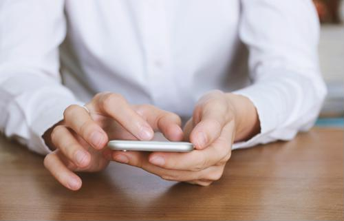 4 customer engagement tips for SMS marketers.
